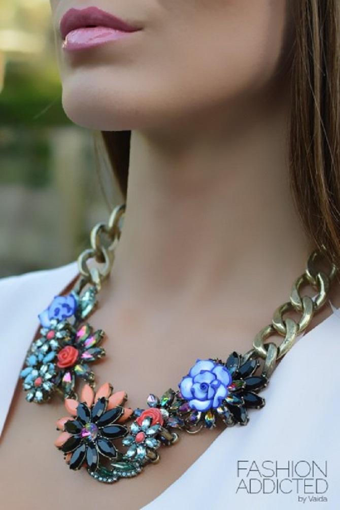 Zara-floral-statement-necklace