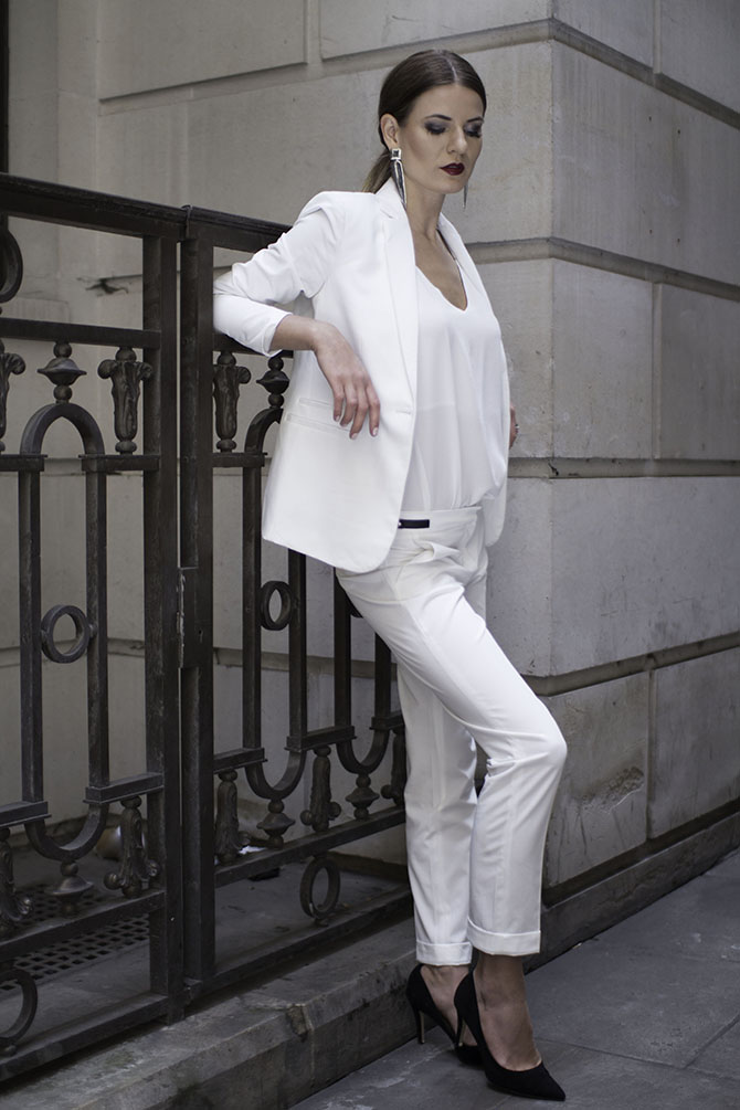 white-women-suit-fashion-blogger-2