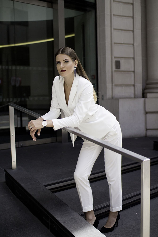 white-women-suit-fashion-blogger-london-streetstyle