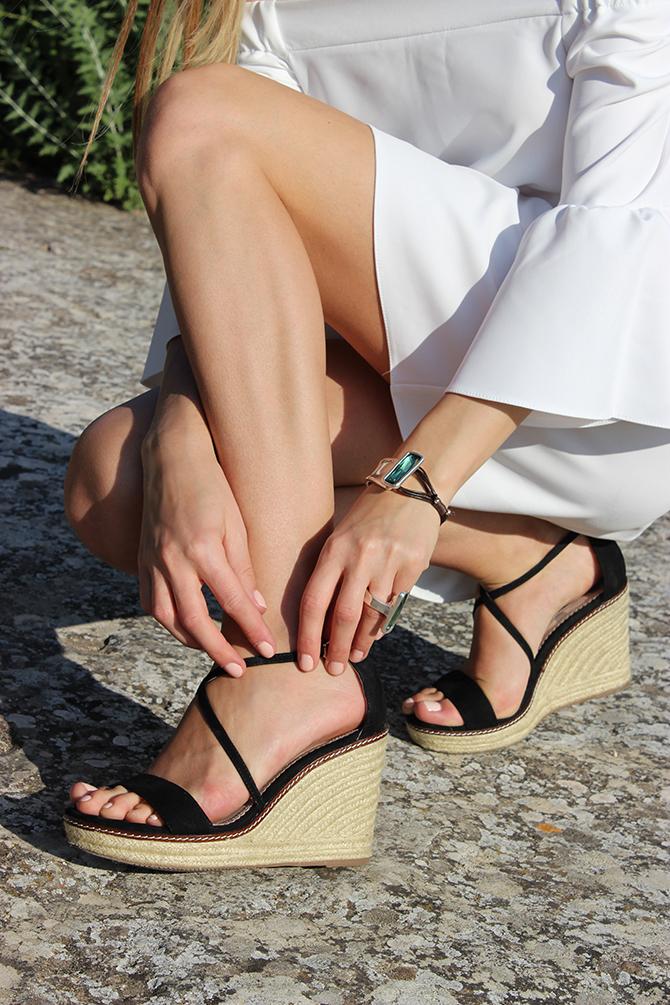 unode50-bracelet-ring-aurora-Borealis-green-boden-wedge-sandals