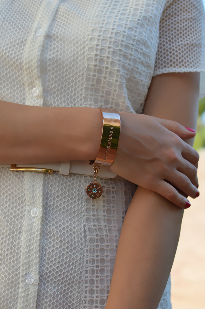 nikki-lissoni-golden-bracelet