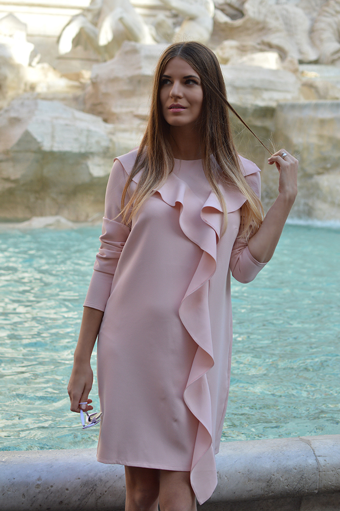 asos-shift-dress-with-ruffle-trevi-fountain-rome