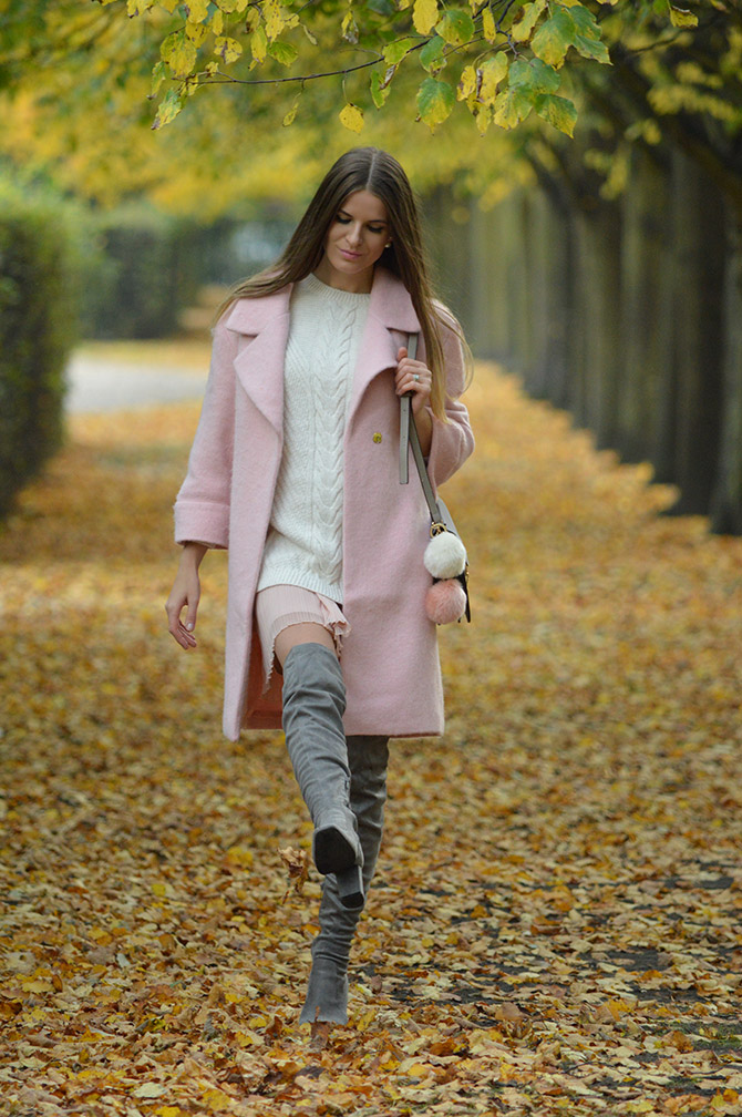 pink-coat-grey-over-knee-boots-autumn-outfit-1