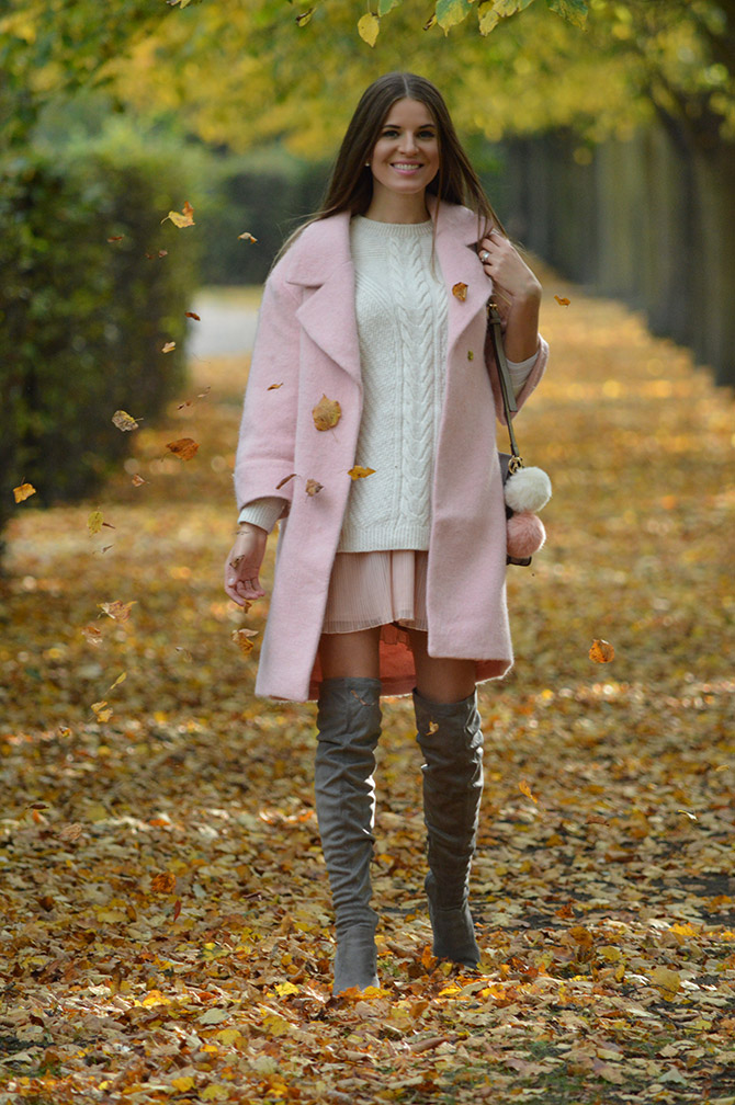 pink-coat-grey-over-knee-boots-autumn-outfit-3