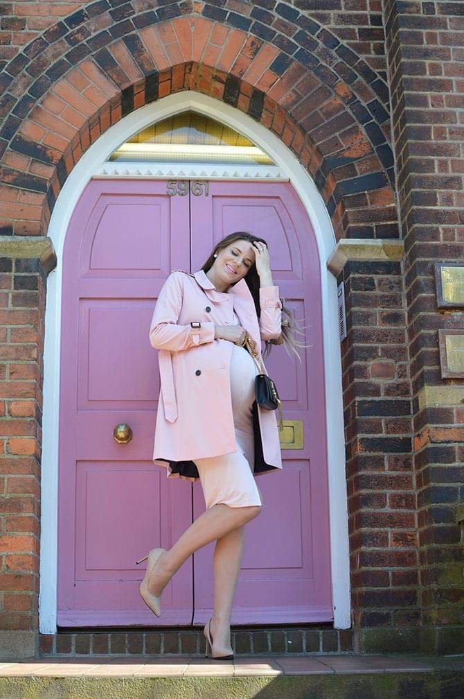 pink-trench-coat-maternity-outfit-5