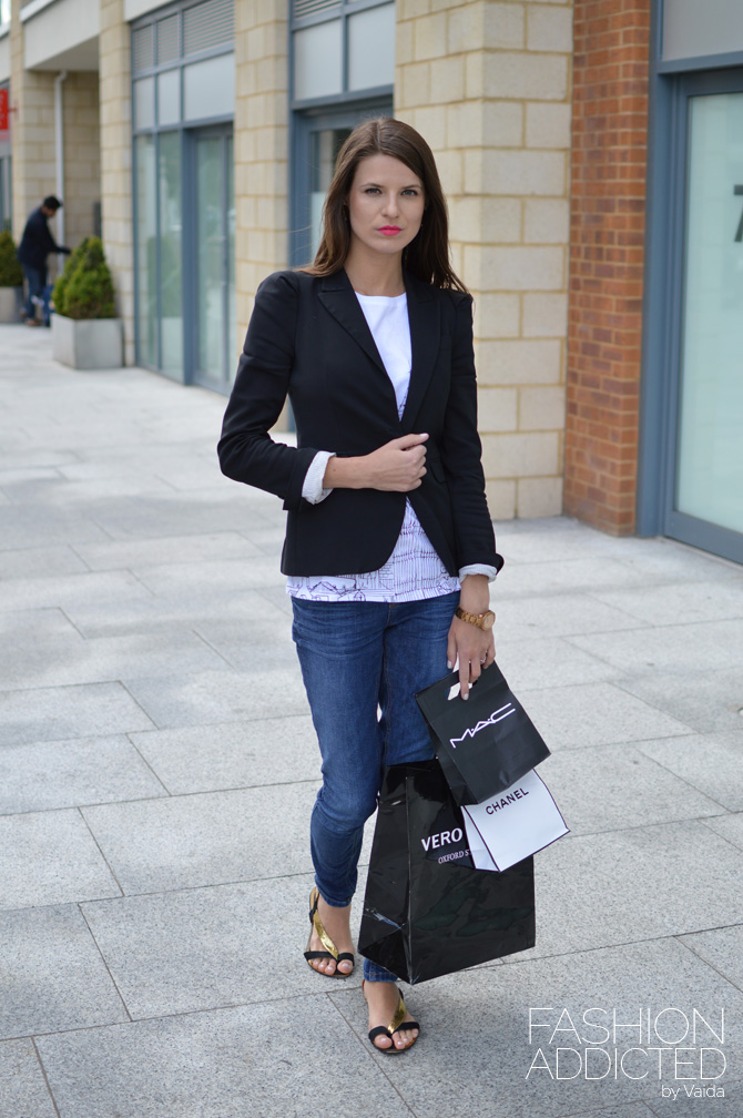 Black-blazer-and-jeans