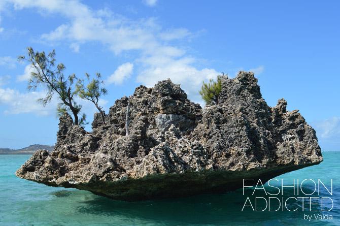 mauritius crystal in ocean