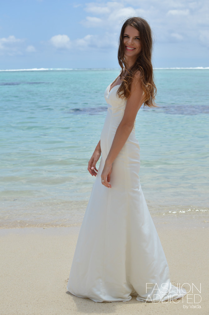 Backless Wedding Dress - Fashion Addicted