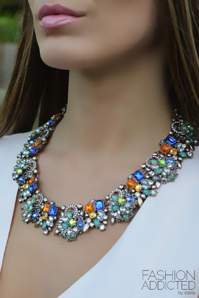 Zara-crystal-statement-necklace