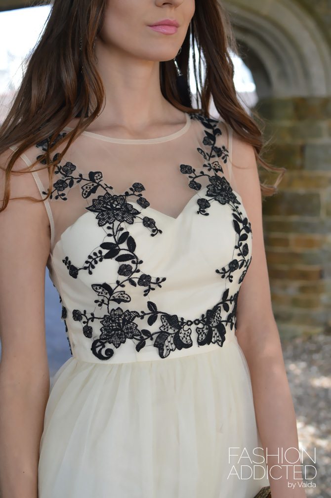 Chi-Chi-London-Maxi-Dress-7