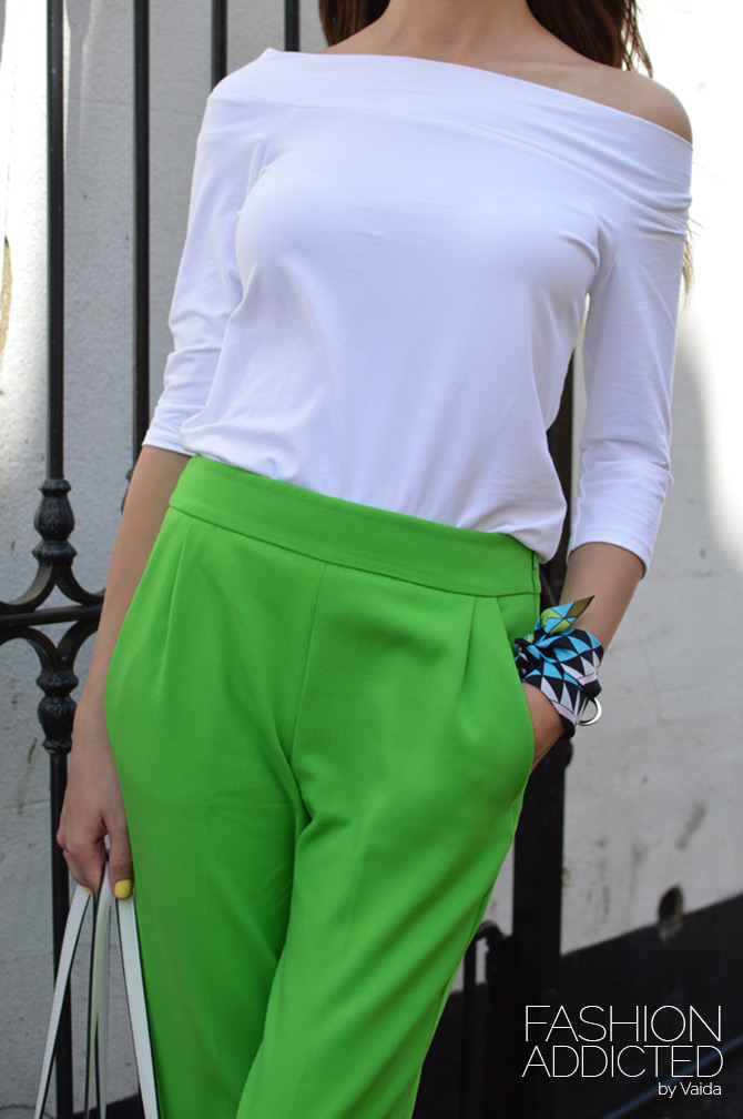 How-to-Wear-Green-Trousers-3