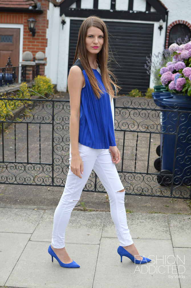 boohoo-ripped-jeans