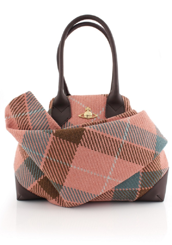 VIVIENNE WESTWOOD-Winter-Tartan-Large-Wool- Bag