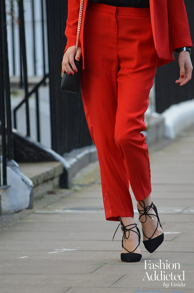 red-women-suit-outfit-blazer-tailored-pants-ghillie-shoes