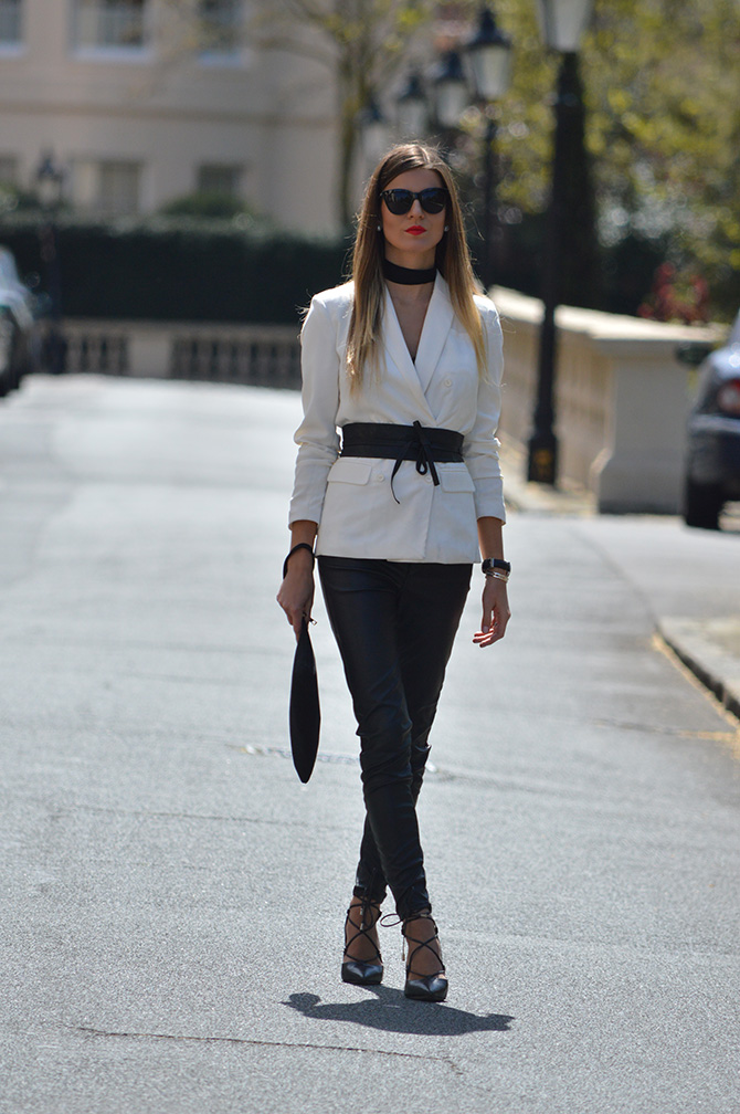 white-blazer-outfit-laura-clement