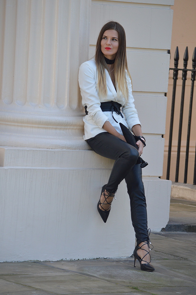 white-blazer-outfit-fashion-blogger-london