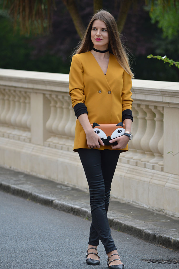 mustard-blazer-fox-clutch