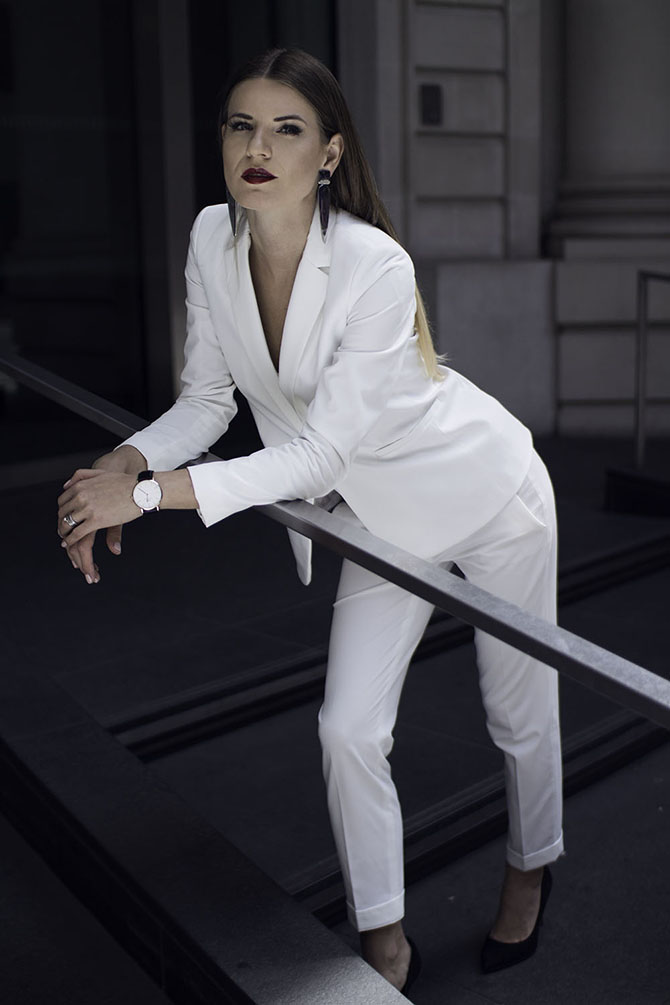 white-women-suit-fashion-blogger-london-streetstyle-2