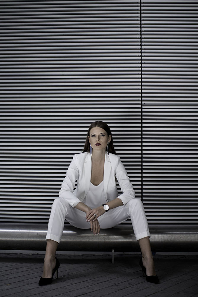 white-women-suit-fashion-blogger-london