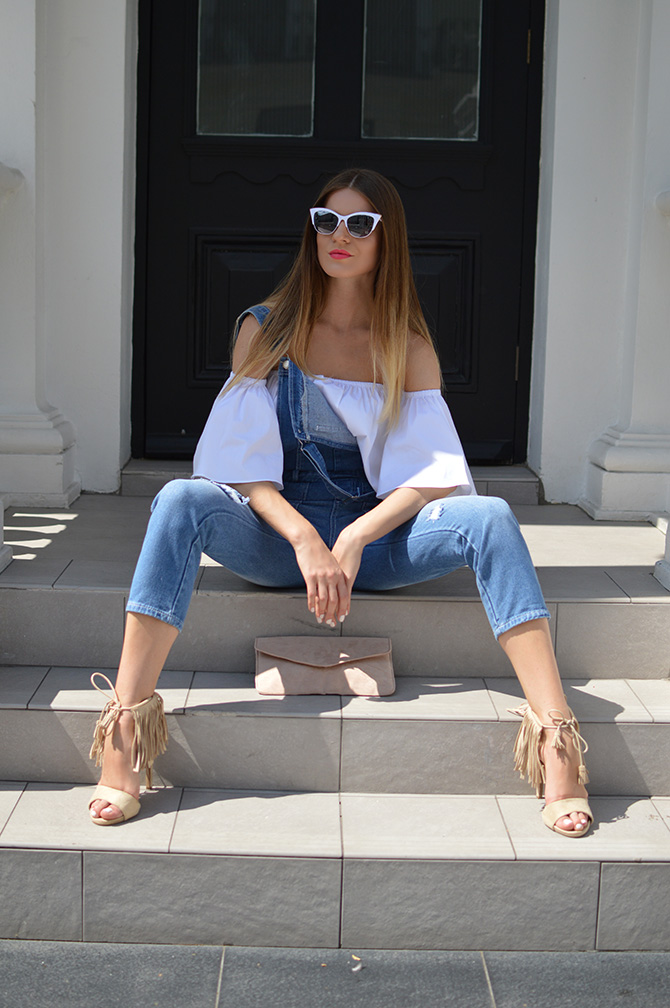 a95ee9954e25c denim-dungarees-off-shoulder-top-lasula-fringe-heels - Fashion Addicted
