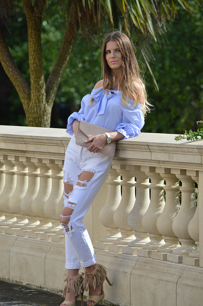 lasula-mom-ripped-jeans-off-shoulder-top-striped-blue-2