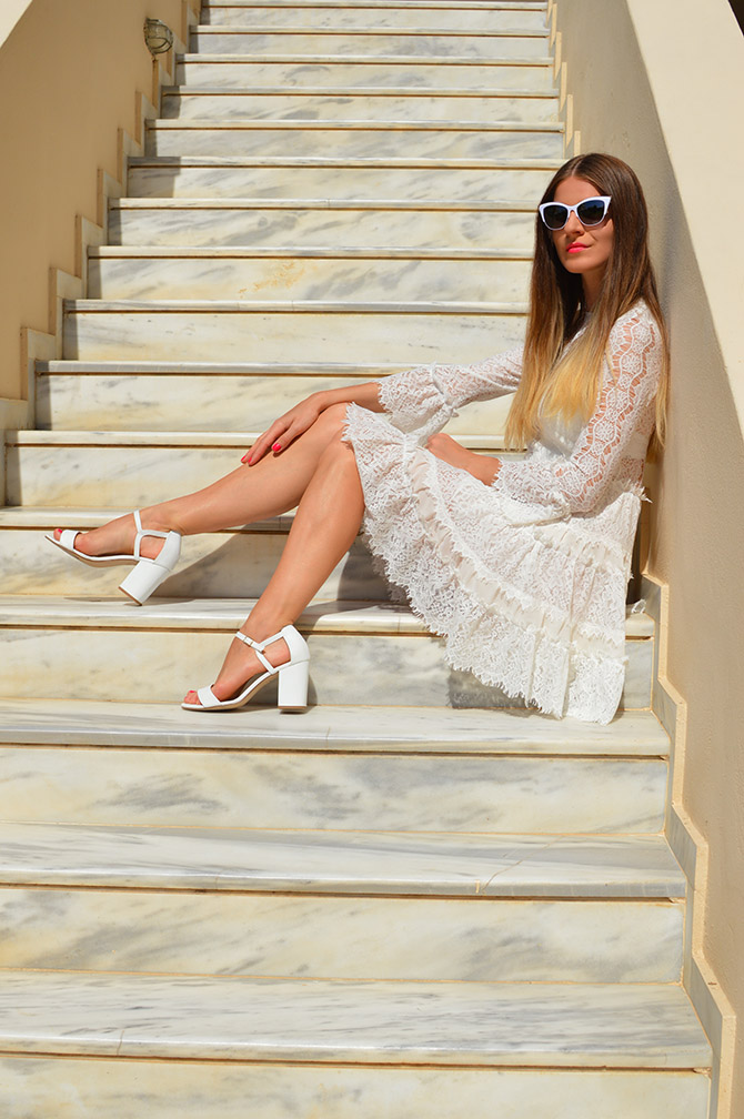 ivory-lace-dress-fashion-blogger-london