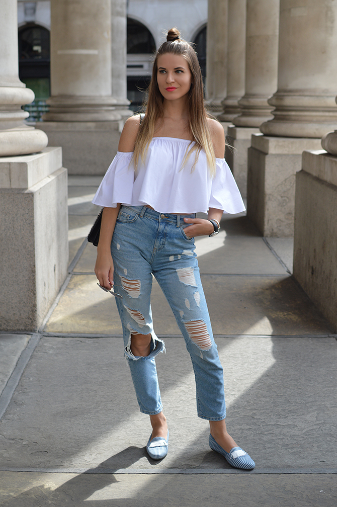 off-shoulder-top-mom-ripped-jeans