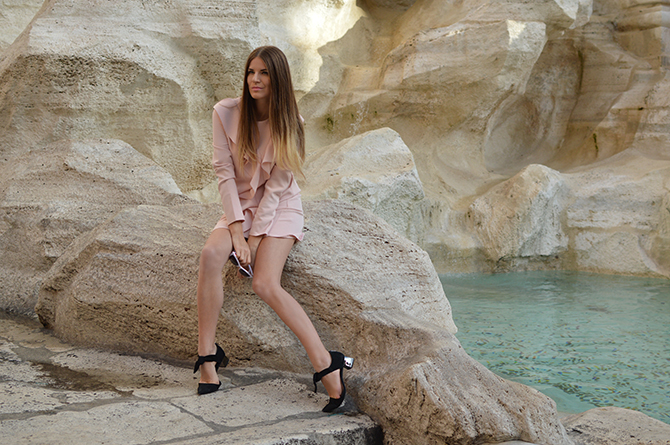asos-shift-dress-with-ruffle-fashion-blogger-london