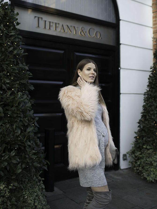 pretty-little-thing-pink-faux-fur-coat-fashion-blogger-london