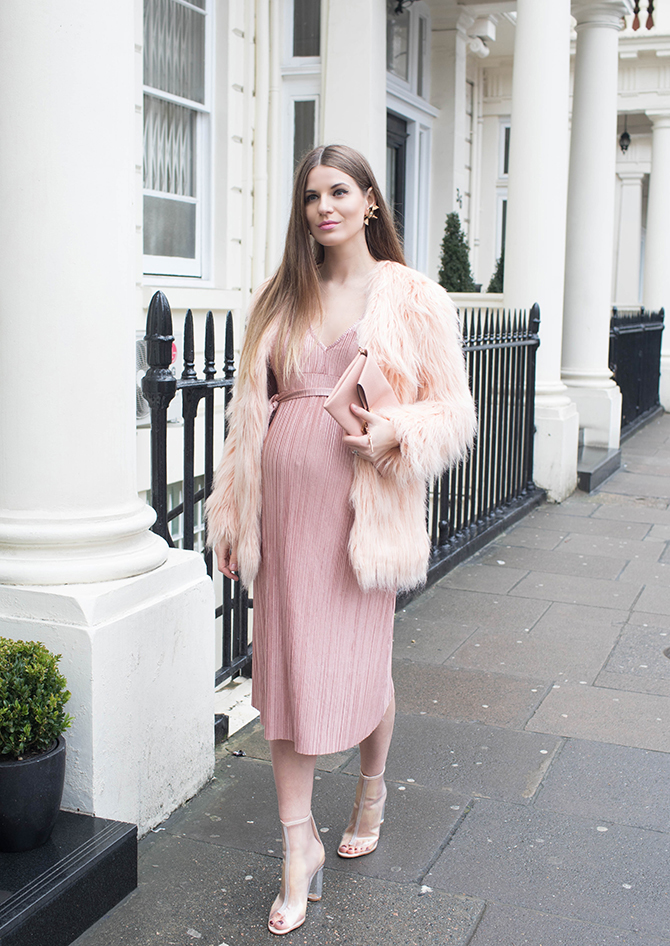 boohoo-maternity-dress-fashion-blogger-london