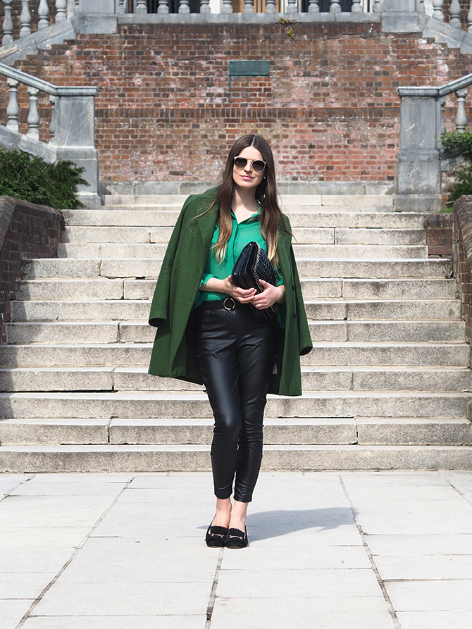how-to-wear-green-top-fashion-blogger-london