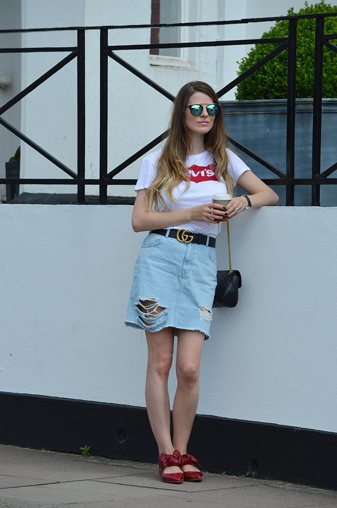 levis-t-shirt-gucci-belt