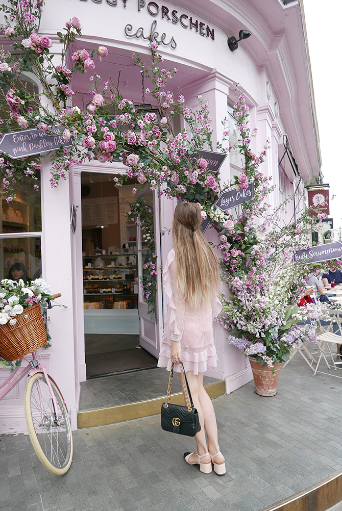 most-intsgrammable-place-in-london-peggy-porschen-cakes-3