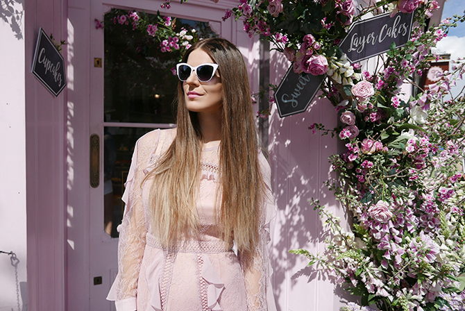 most-intsgrammable-place-in-london-peggy-porschen-cakes-6