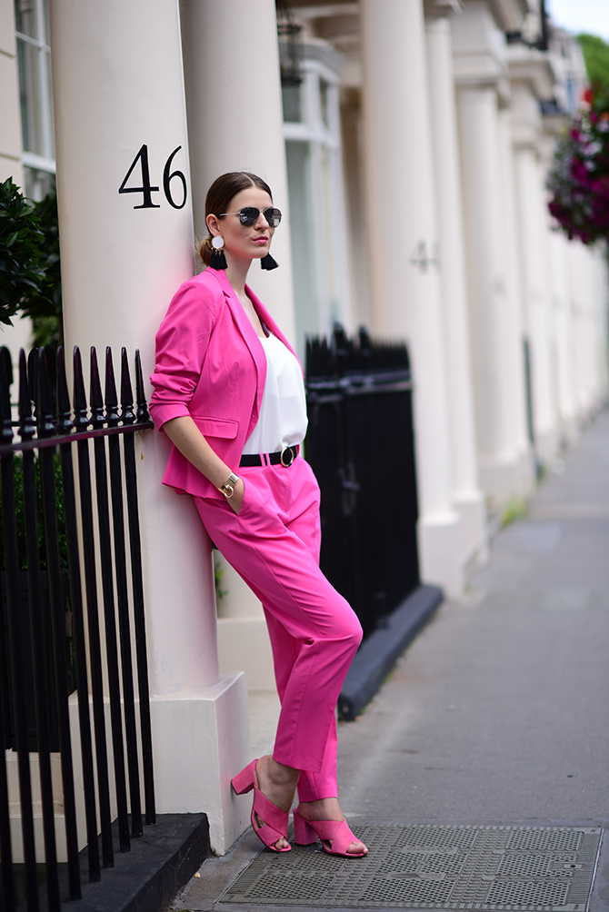 pink-suit-fashion-blogger-london