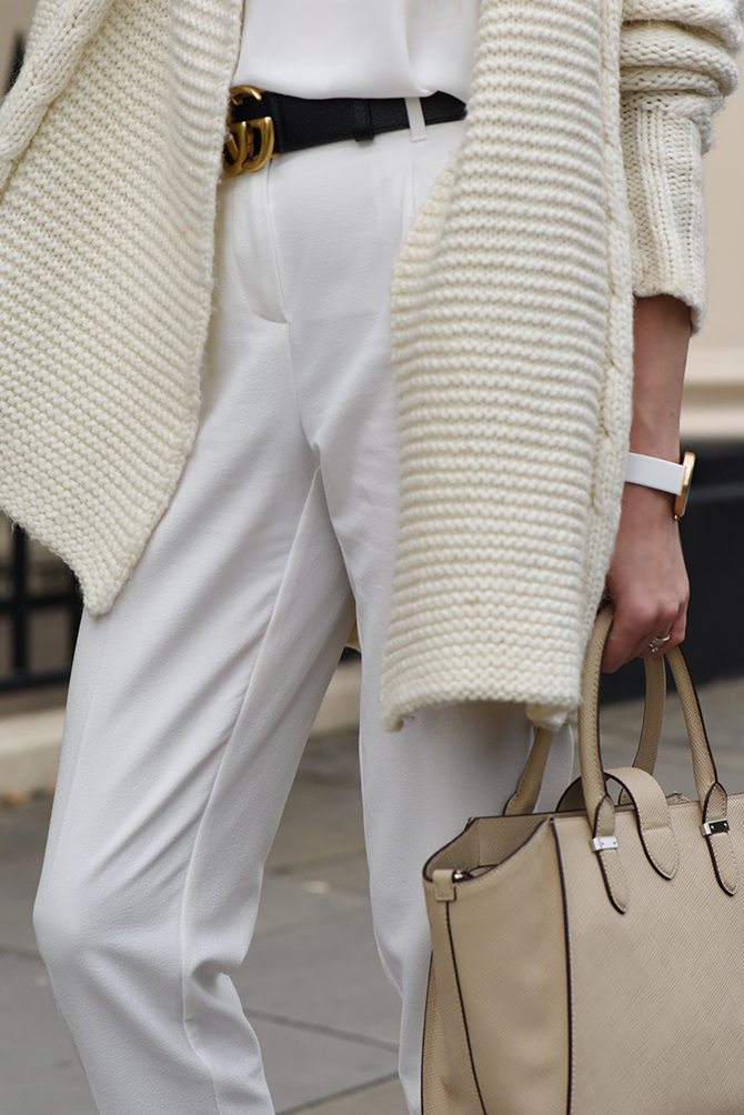 all-in-white-outfit-autumn-gucci-belt-4