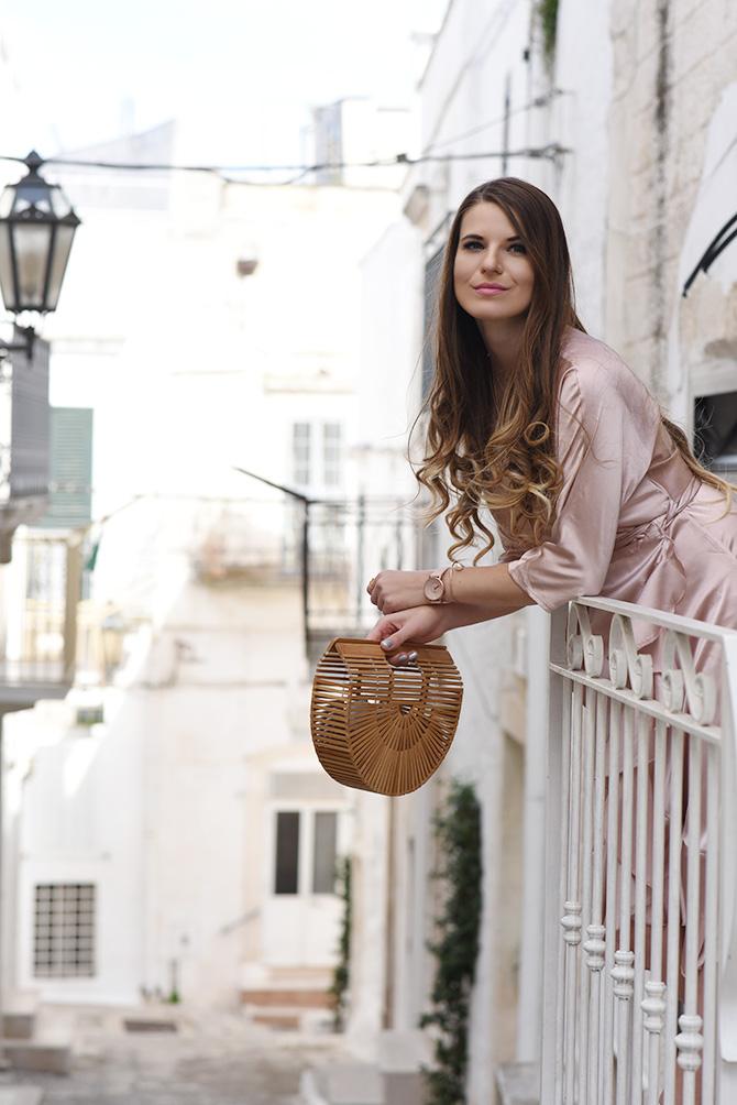 wrap-dress-asos-italy-ostuni-straw-handbag