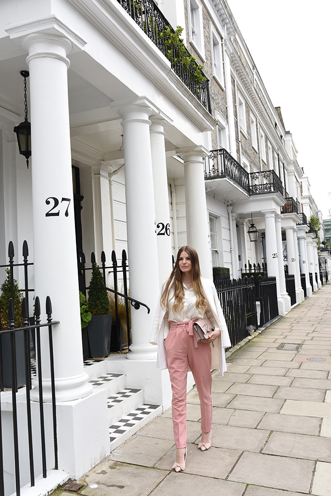 elan-cafe-asos-pink-trousers-karl-lagerfeld-bag-2