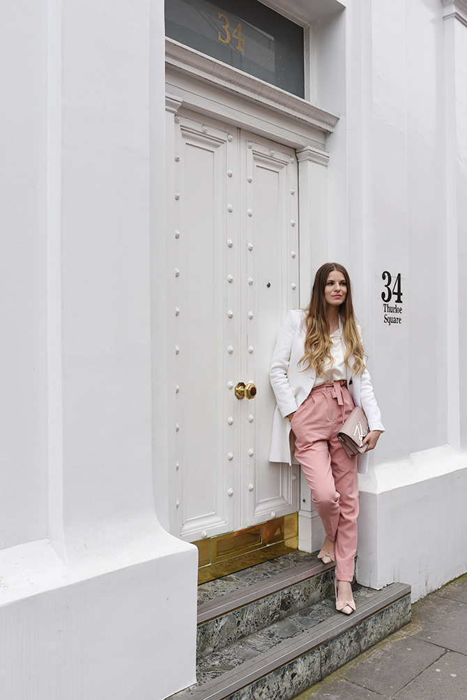 elan-cafe-asos-pink-trousers-karl-lagerfeld-bag-4