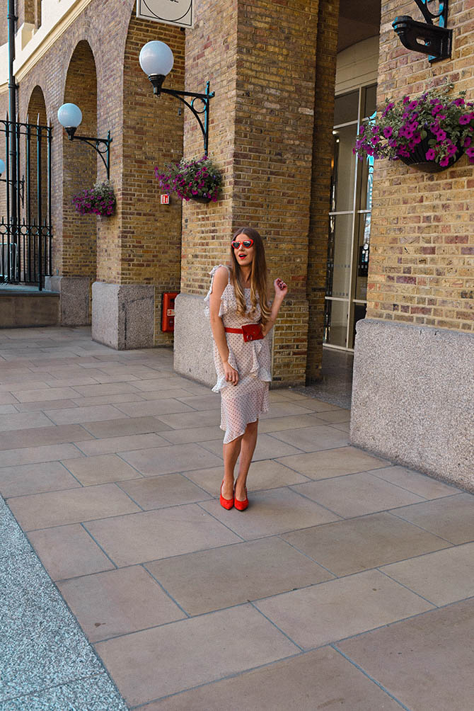 How-to-become-successful-blogger-polka-dot-dress-red-belt-bag-6