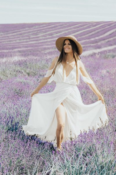 lavender-field-london-most-instagrammable-fashion-blogger-2