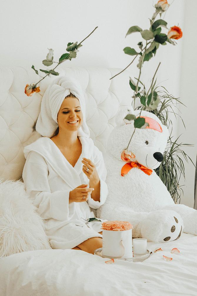 The-white-company-bathrobe-slippers-sleep-regime-3