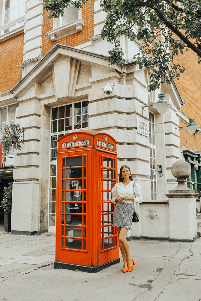 how-to-wear-mini-skirt-power-shoulder-blouse-fashion-blogger-london-5
