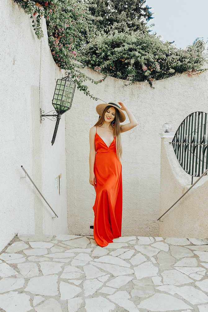 red-maxi-dress-pretty-little-thing-greece-holiday-4