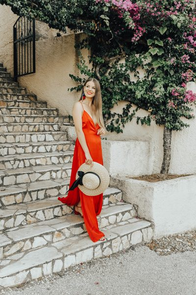 red-maxi-dress-pretty-little-thing-greece-holiday-5