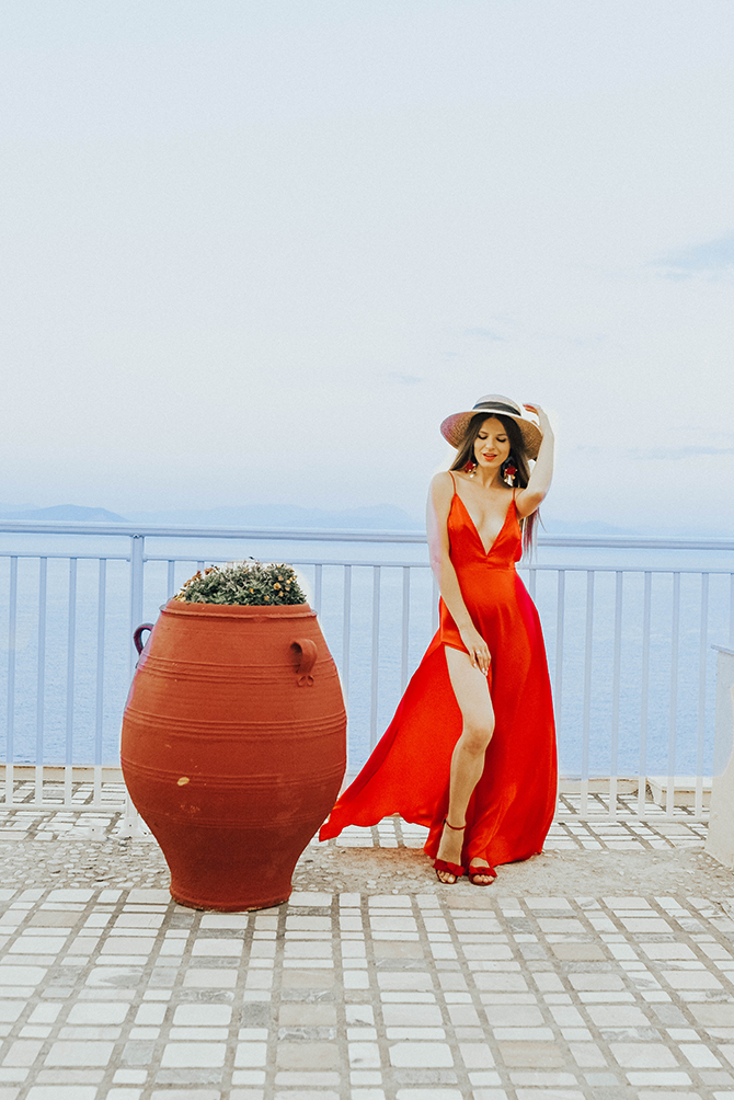 red-maxi-dress-pretty-little-thing-greece-holiday-6