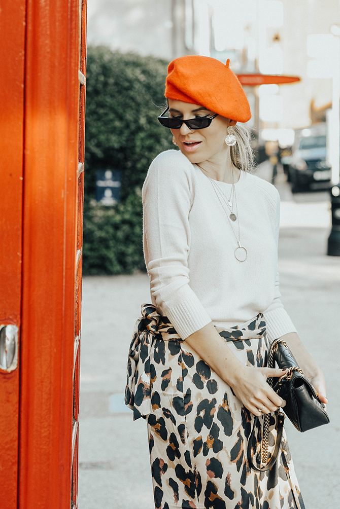 the-white-company-cashmere-knit-sweater-leopard-skirt-fashion-blogger-london-2