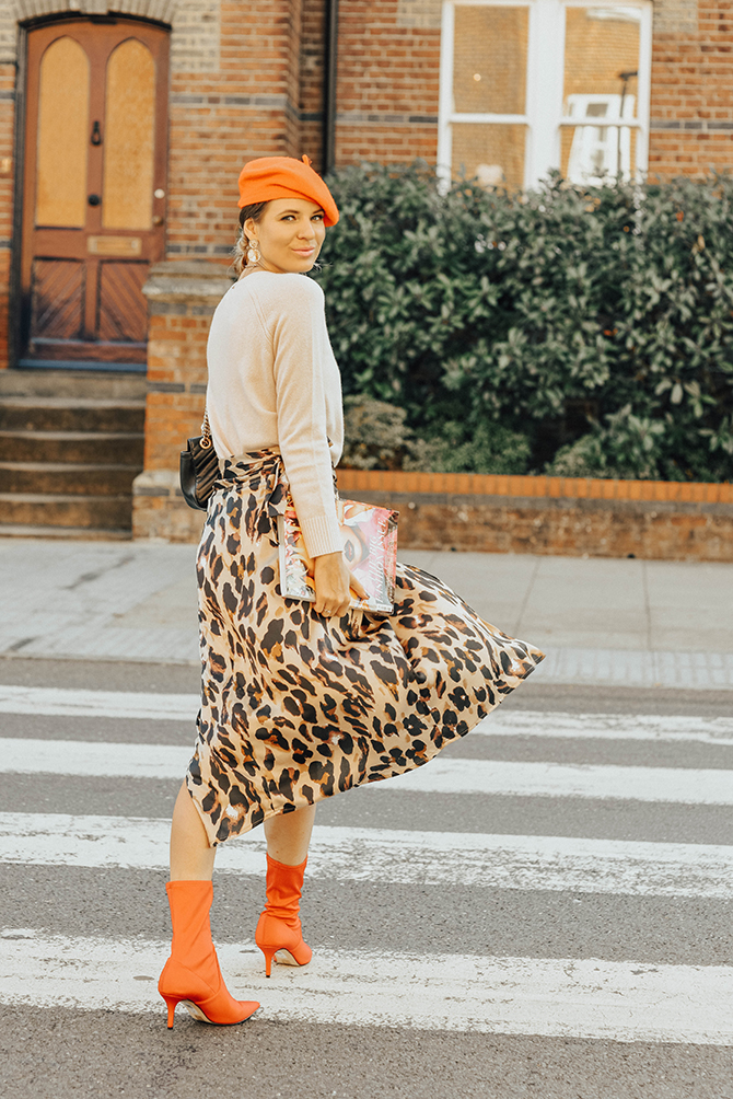 the-white-company-cashmere-knit-sweater-leopard-skirt-fashion-blogger-london-3