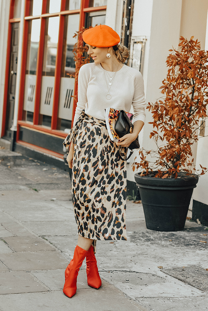 the-white-company-cashmere-knit-sweater-leopard-skirt-fashion-blogger-london-5
