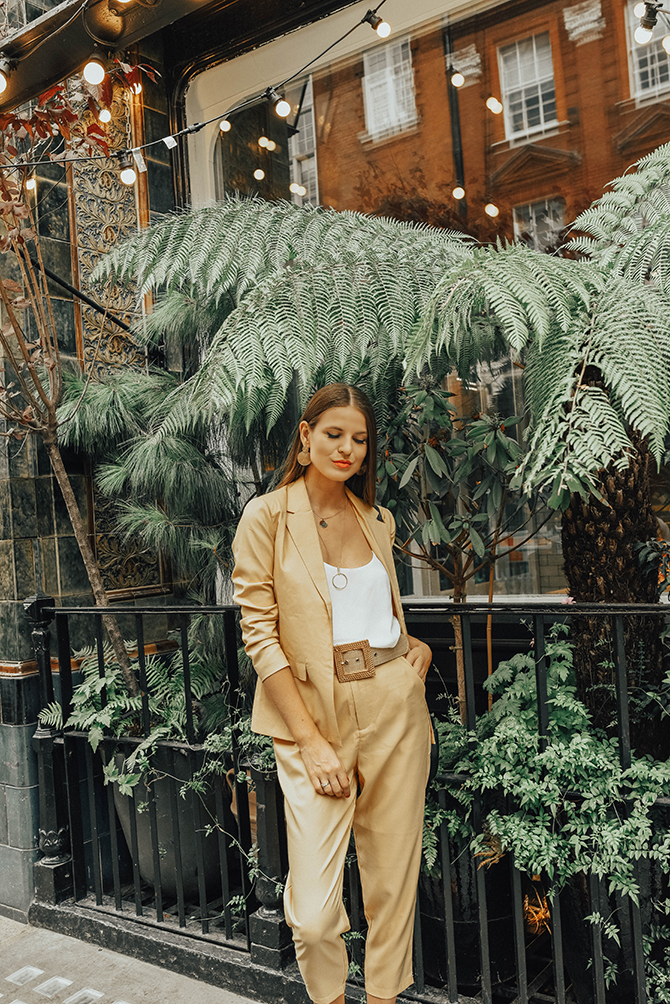 mustard-yellow-suit-fashion-blogger-london-mango-rafia-belt-4